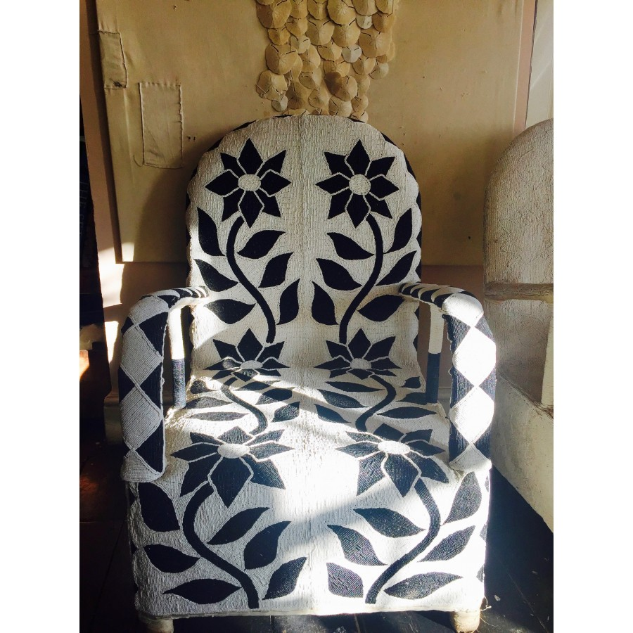 African Beaded Yoruba Chairs   Black And White ...